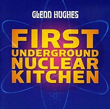 glenn-hughes-FUNK-Deep-Purple-le-livre-50-ans-la-maison-des-legendes