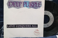 Slaves-and-masters-deep-purple-le-livre-Love-conquer-all-PLeroy
